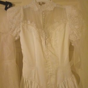Dresses & Skirts - 3 pic wedding dress